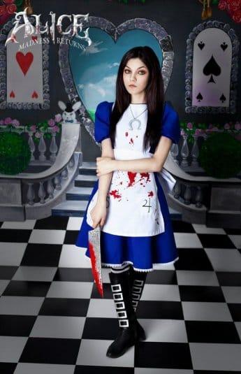 Кристина Финк в роли Алисы №3